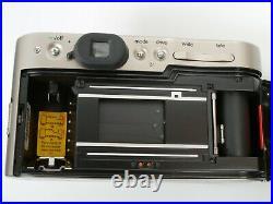 Rollei 35W QZ VARIO-APOGON 2,8-5,6/28-60 + Flash 20QF Camera im Porsche Design